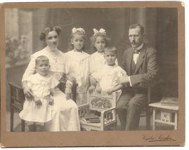 Molnár család, 1913.